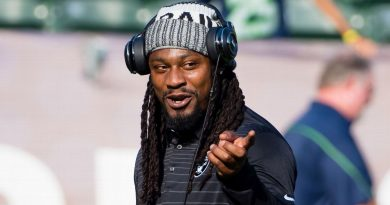 Former NFL star Marshawn Lynch joins possession group for USL's Oakland Roots